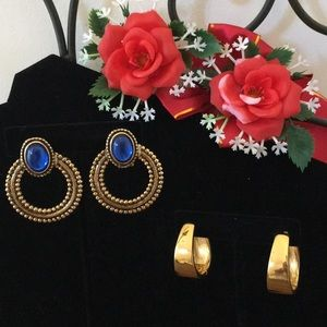 TWO VINTAGE GORGEOUS GOLD TONE EARRINGS 🌟🌟🌟